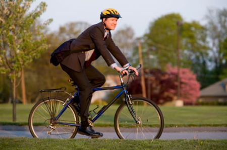 lavoratore-in-bicicletta
